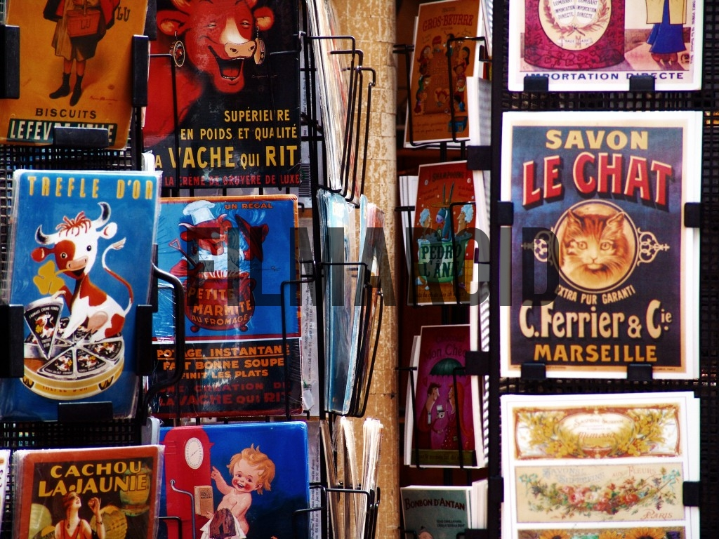 Vintage tin signs sold in Paris